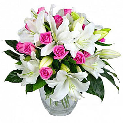 Refined Lovebouquet Of Lilies And Roses