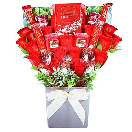 Yankee Candle And Red Rose Chocolate Bouquet