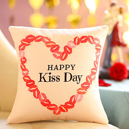 Online Kiss Day Cushion