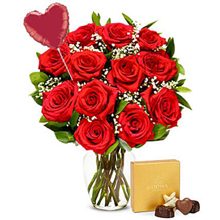 Luxury 12 Red Roses Bouquet And Chocolate Combo