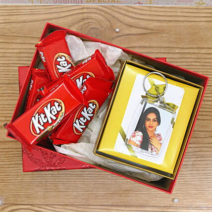 Photo Keychain With Kit Kat:Gift Combos to USA