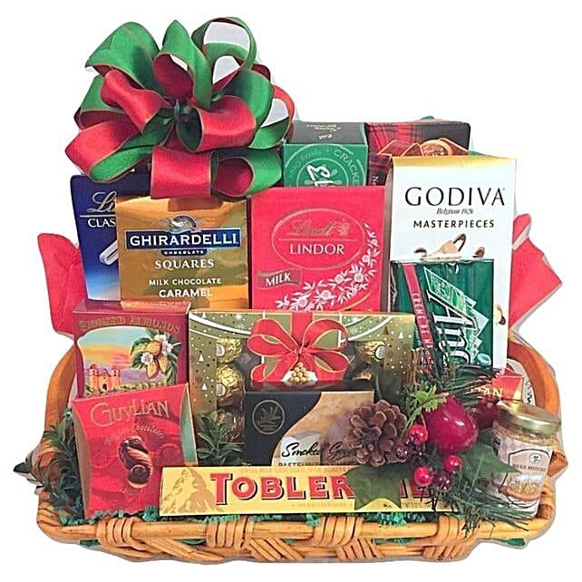Sweet And Savoury Gift Hamper:Christmas Gift Baskets to USA