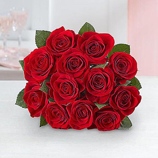 Dozen Roses For Valentines:Karwa Chauth Sargi to USA