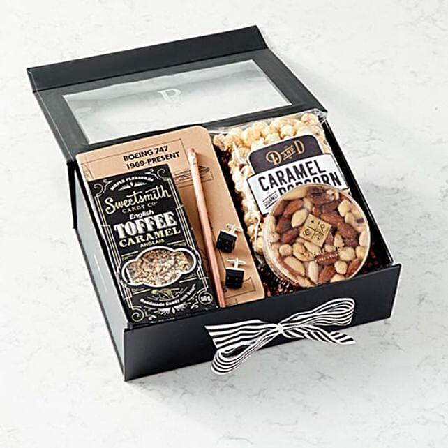 Mixed Nuts And Caramel Popcorn Hamper