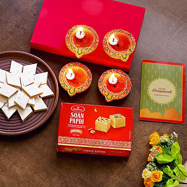 Diwali Diyas With Greeting Card & Sweets:Diwali Diyas USA